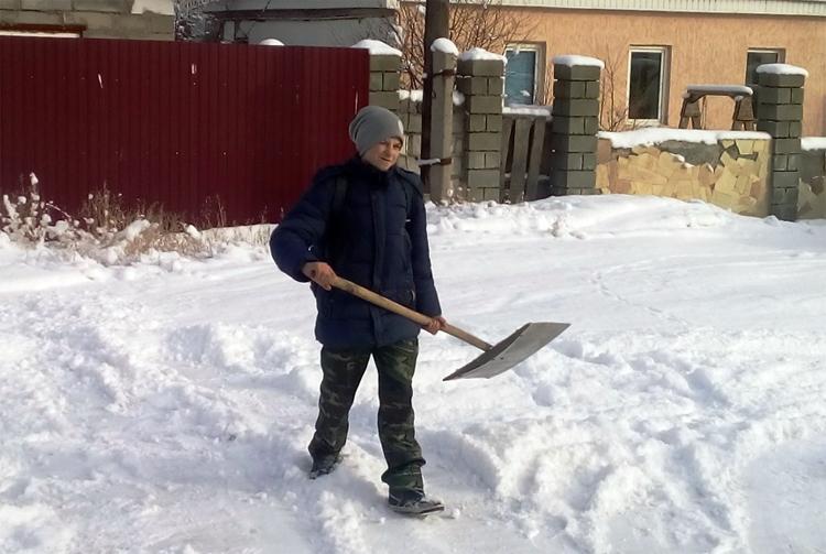 Жителей Натальино просят очистить ливневки от снега и льда у своих домов